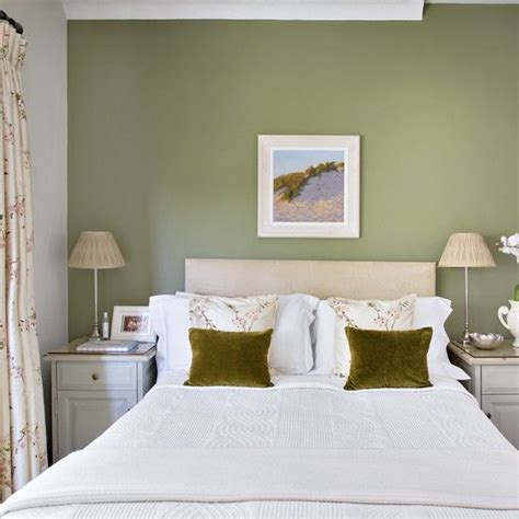 How To Decorate A Bedroom With Green Walls - the 25 best olive green bedrooms ideas on