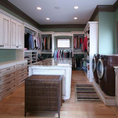 Master Closet With Washer And Dryer by 1000 Ideas About Laundry Folding Station On