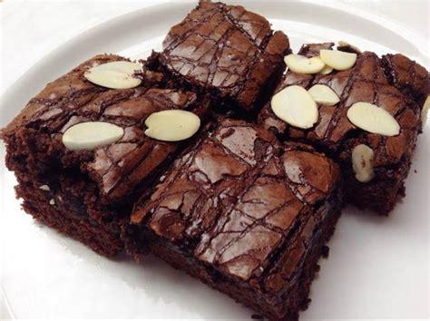 Resep brownies panggang original crust diluar legit dan nyoklat didalam tanpa mixer. Resep Membuat Brownies Panggang Crunchy dan Lezat