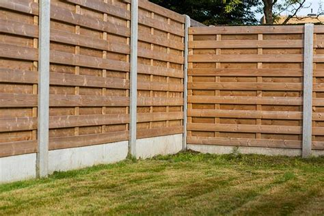 best fences the best affordable modern fence for dogs dog training nation