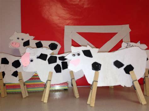 easy cow craft for farm unit my classroom farm animal 962 | b78286665ebc2c45e3ea45f1a4add5d0 farm crafts preschool farm