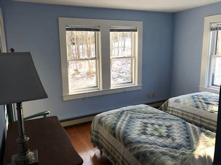harwich cape vacation rental upstairs twin bedroom
