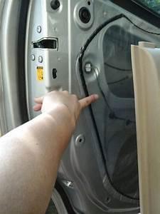 Tips  Atasi Auto Central Lock Pada Pintu Avanza Yang