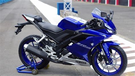 Yamaha R15 V3 by 2017 Yamaha R15 V3 Review Launch India