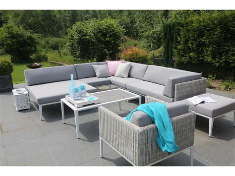 canape angle jardin salon de jardin en résine tressée avec canapé d 39 angle
