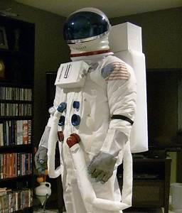 1000+ ideas about Astronaut Costume on Pinterest ...