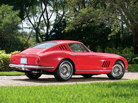 Scaglietti, who had no formal design training and did all his work by the eyes alone, was masterful at changing pininfarina's sensational berlinetta into an even more alluring. Ferrari 275