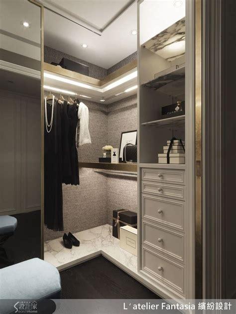 Wardrobe In Closet by Best 25 Corner Closet Ideas On Corner Closet