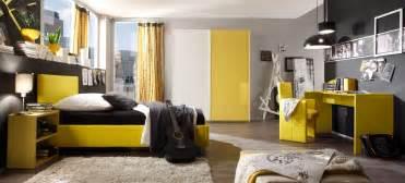 wohnideen jugendzimmer modernes jugendzimmer in knallig gelbem hochglanz lack modell colorativi5 designermöbel