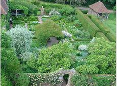 Sissinghurst Castle Garden The White © Pete Chapman