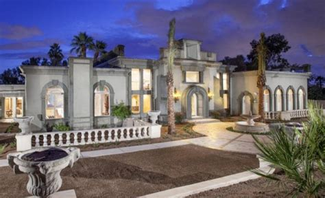 square foot  world style mansion  phoenix az homes   rich
