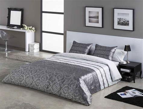decorar una habitacion usando sabanas grises