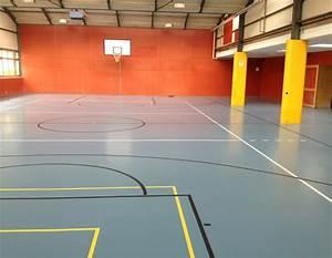Bodenbelag Außenbereich Frostsicher : bodenbelag f r sporthallen sportplatzbel ge kunststoffbelag aussenbereich tartanbahn ~ Sanjose-hotels-ca.com Haus und Dekorationen
