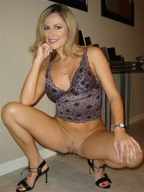 Simply Irresistible Private Milf Pics