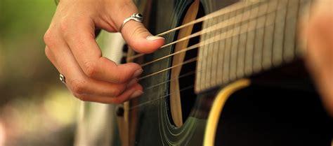 playing guitar fast  image editor