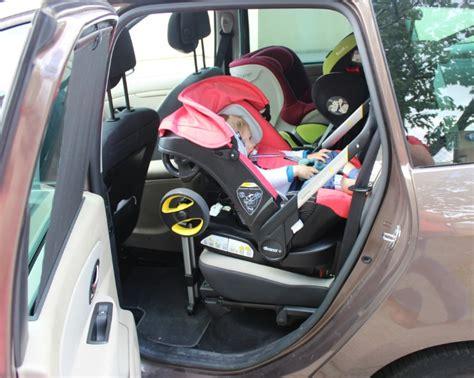 siege auto et poussette un siège auto qui fait poussette le rêve devenu réalité
