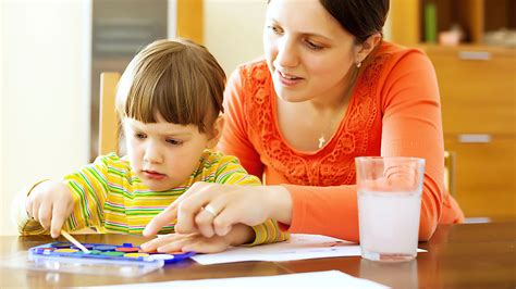 what parents do and don t 266 | toddler and parent painting 02?$lp content img$