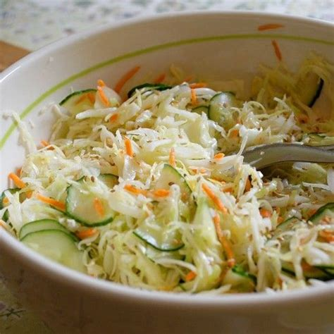 cuisiner du choux chinois 1000 idées sur le thème salades composées sur