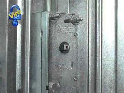 porte basculanti per box auto prezzi serratura corazzabile per porte basculanti ns
