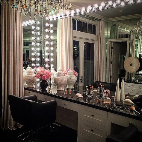 khloe 39 s glam room get the look so sue me