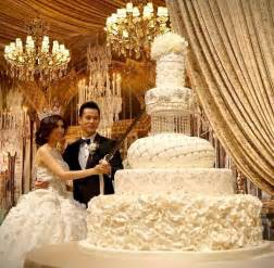 carousel cake topper 25 best ideas about beautiful wedding cakes on