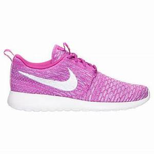 Women s Nike Roshe e Flyknit Casual from Finish Line