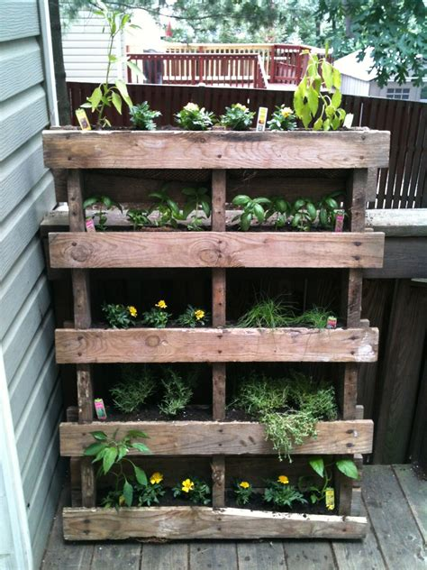 Vertical Garden Project by For Giggles Vertical Pallet Garden Project