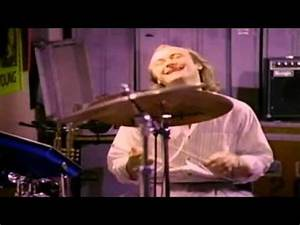 Genesis Anything She Does (Official Music Video 1986 ...
