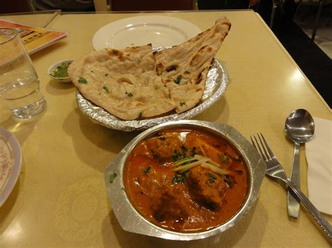 curry cuisine file naan with fish curry avadhi cuisine jpg
