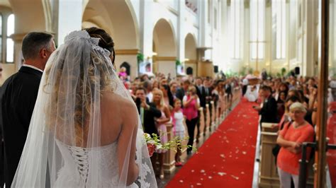 american wedding costs soar    years marketwatch