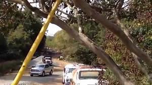 Mack R686 dump truck dumping gravel - YouTube