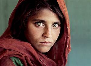 """Afghan Girl"" The Most Famous Picture In National Geo ..."