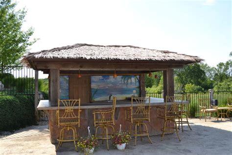 Backyard Tiki Bar by 8 Outdoor Tiki Bars That Make Us Want To Hula