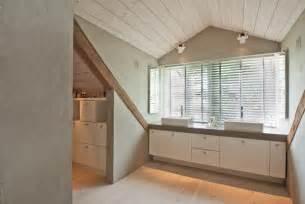 wandgestaltung im badezimmer badezimmer im dachgeschoss contemporary bathroom hamburg by keter wandgestaltung