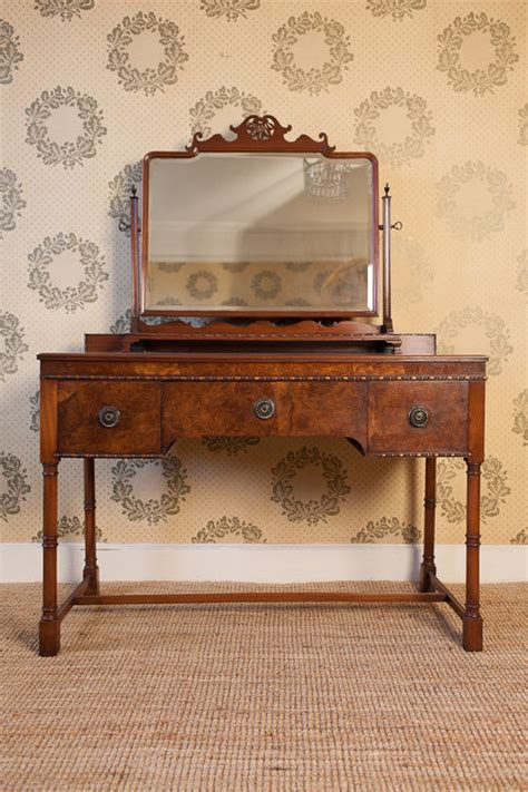 antique vanity table waring gillow walnut dressing table antiques atlas