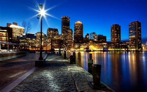 oswietlone wiezowce miasto boston stany zjednoczone