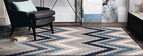 tapis bleu marine design couleurs classiques tapis chic