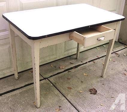 1930 enamel kitchen table vintage 1930 39 s enamel top hoosier kitchen table wht w