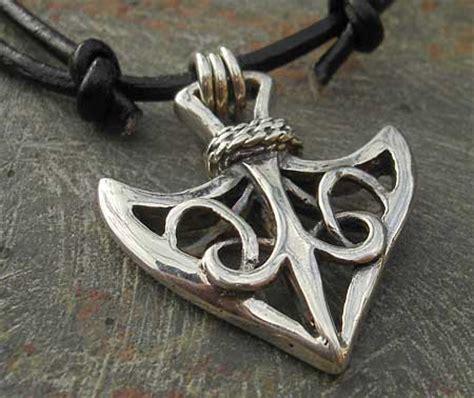 mens celtic arrowhead necklace lovehave   uk