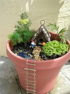 Pflanzen Für Drinnen : 13 m rchenhafte mini g rten zum selbermachen f r drinnen und drau en diy bastelideen ~ Frokenaadalensverden.com Haus und Dekorationen