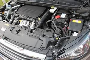 Peugeot Essence : essai peugeot 308 sw 1 2 e thp130 puretech bvm6 la voiture essence de l 39 ann e ~ Gottalentnigeria.com Avis de Voitures