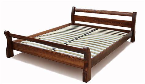 Деревянные кровати из массива дерева