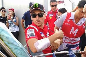 Flipboard: Lorenzo pulls out of Thai GP after crash