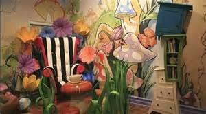 Alice In Wonderland Bedroom Decor by Decorating Theme Bedrooms Maries Manor Alice In