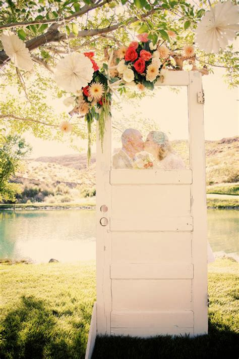 10 Fab Ways To Use Vintage Or Re Purposed Doors At Your