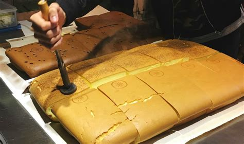 cakes  singapore le castella  sells  popular