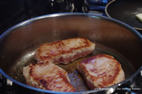 how do you pan fry pork chops how do you pan fry pork chops 28 images southern fried pork chops with country gravy
