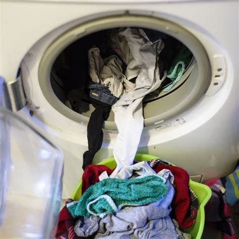 best way to wash clothes workout clothes best laundry detergent how to wash activewear shape magazine