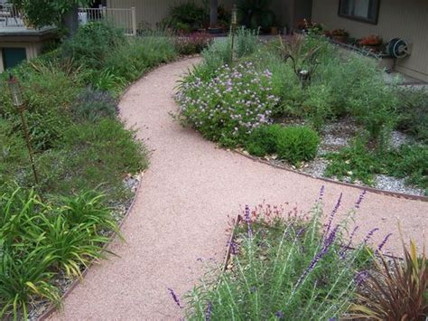 engaging crushed granite and flagstone walkway feature