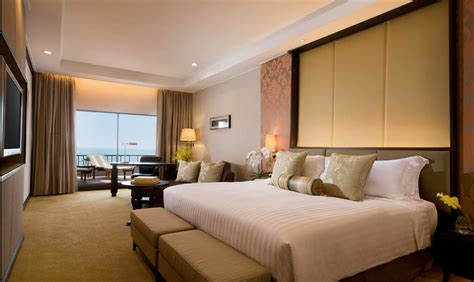 rooms of club grand room dusit thani pattaya